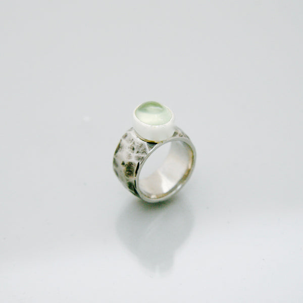 Prehnite Ring | Planish texture band