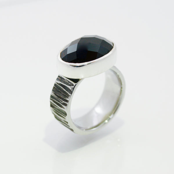 Black Spinel Ring | Oval shaped
