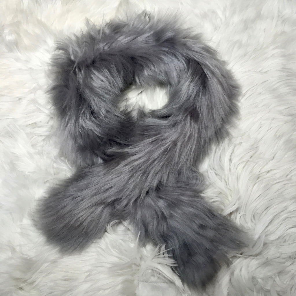 ALPACA FUR SHORT SCARF GREY made of 100% suri Peruvian alpaca fur