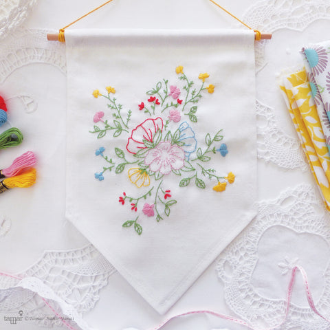 Bouquet of flowers banner flag embroidery kit