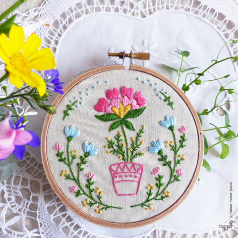 "Flowerpot - 4"" embroidery kit"