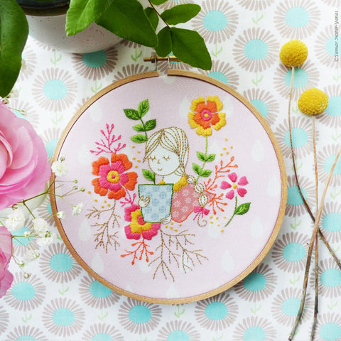 "Garden Lady - 6"" embroidery kit"