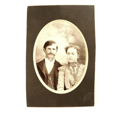 Antique Photograph Cabinet Card of Man and Woman from Chicago Illinois (c.1890s) - ThirdShiftVintage.com