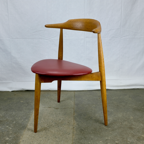 Hans J. Wegner Heart Chair in Oak