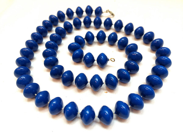 Blue Beads Necklace Molded Plastic Royal Bold Beaded Necklace Authentic True Vintage Jewelry talkingfashion artedellamoda