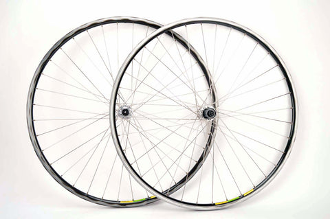 Wheelset with Mavic Mach 2 CD2 tubular rims and Campagnolo Chorus hubs from the 1980s - 90s