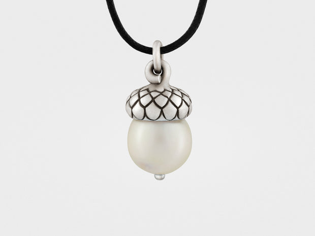 Acorn Pendant with Pearl
