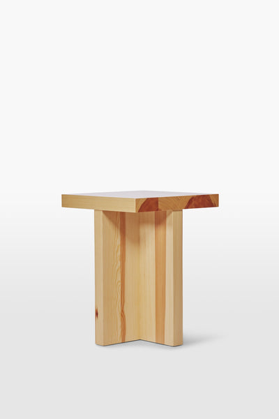 Fox <br> Stool <br> Pine Wood <br> Nature