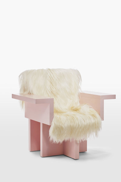 Horse <br> Armchair <br> Pine Wood <br> Sheep skin Pink