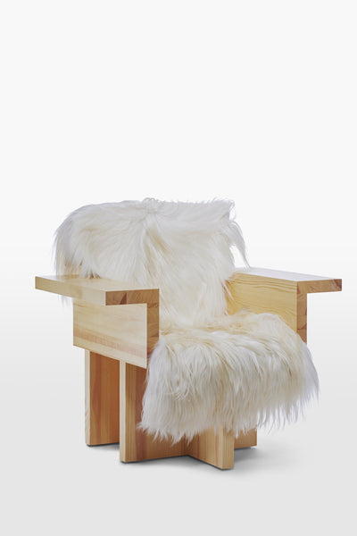 Horse <br> Armchair <br> Pine Wood <br> Sheep skin White