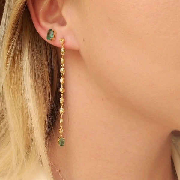 Long earrings with emerald
