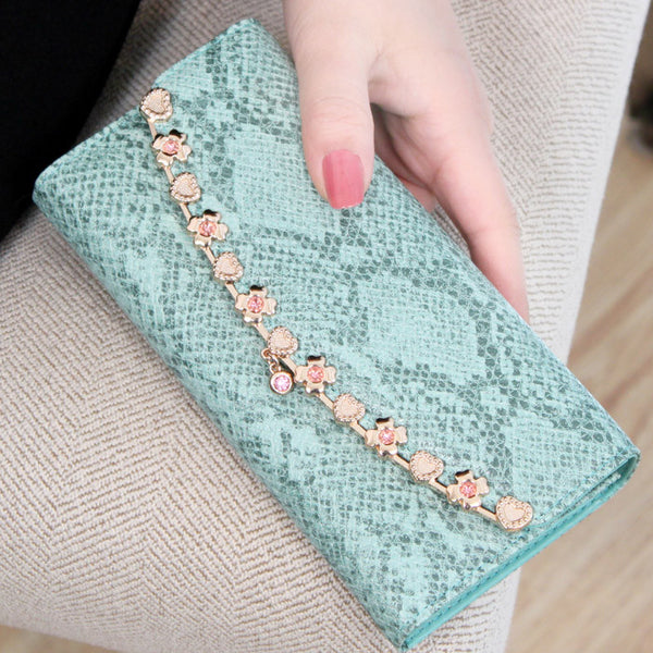 Graceful Alloyed Floral Leather Wallet - lilyby