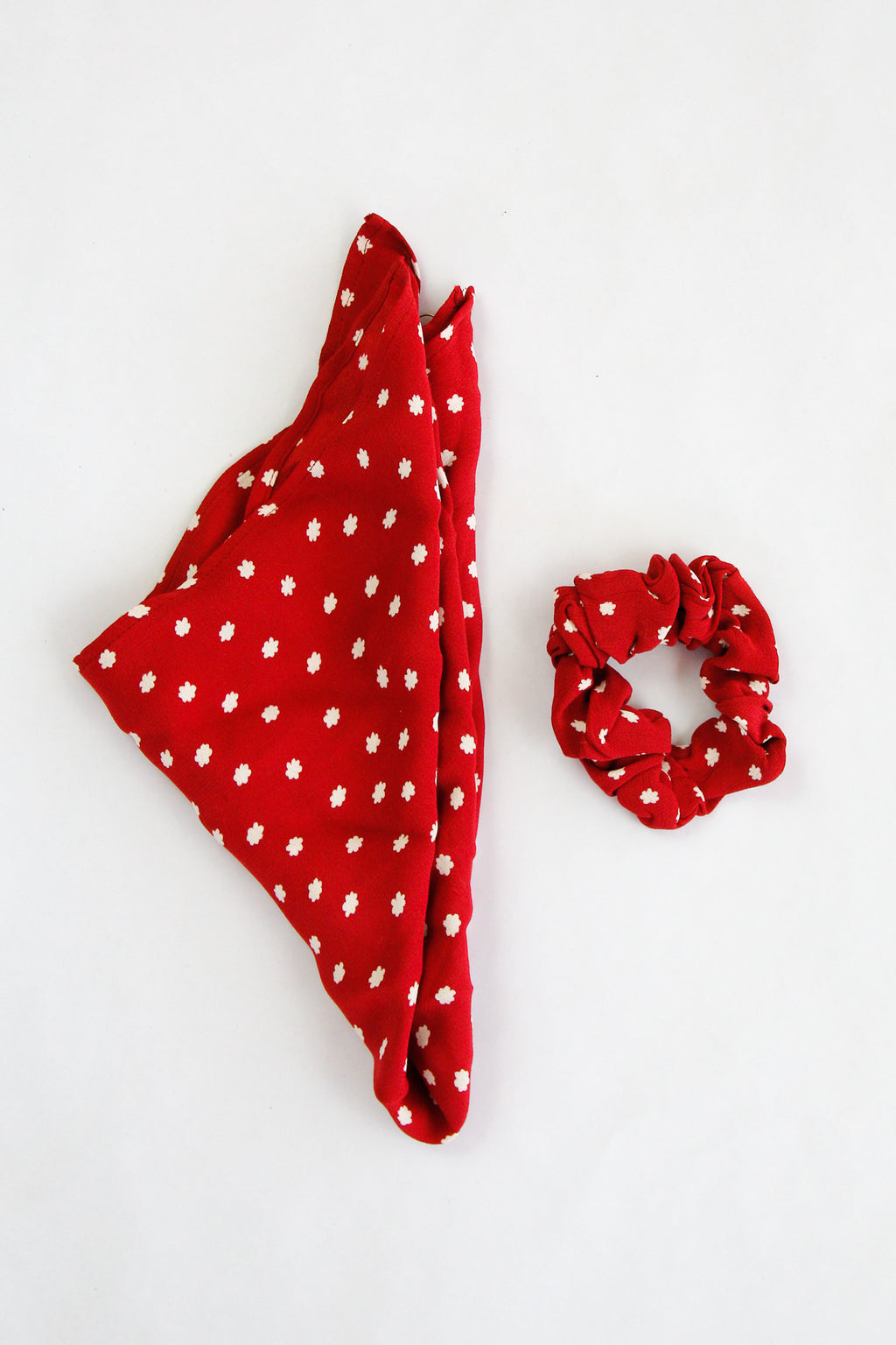 Amuse Society Up & Away Scrunchie Scarf - Rouge