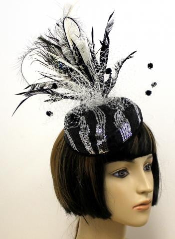 BLACK COLOR FEATHER w SILVER SEQUINS