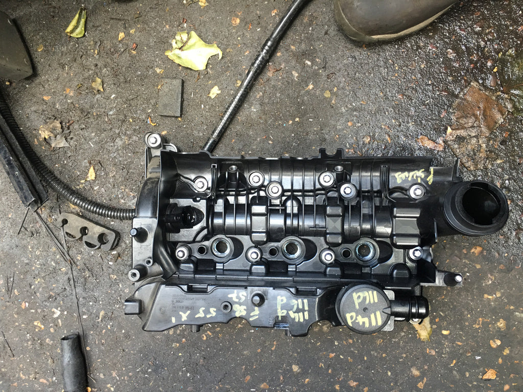 11128511342 BMW 3 SERIES 2016 F30 320 DIESEL ROCKER COVER