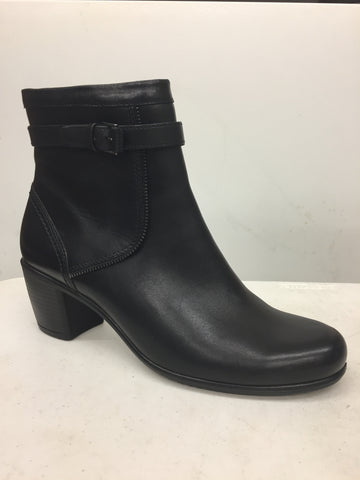 Touch bootie black