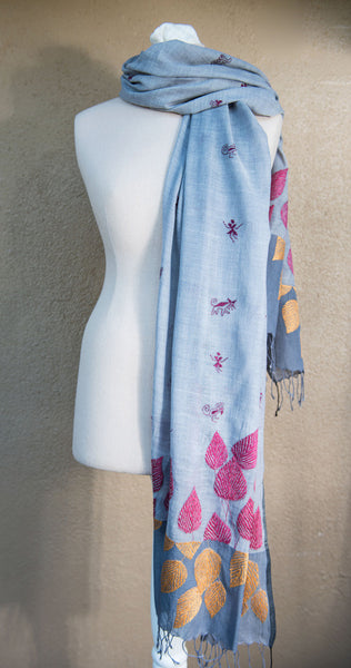 Fallen leaves – hand-woven and hand-embroidered scarf