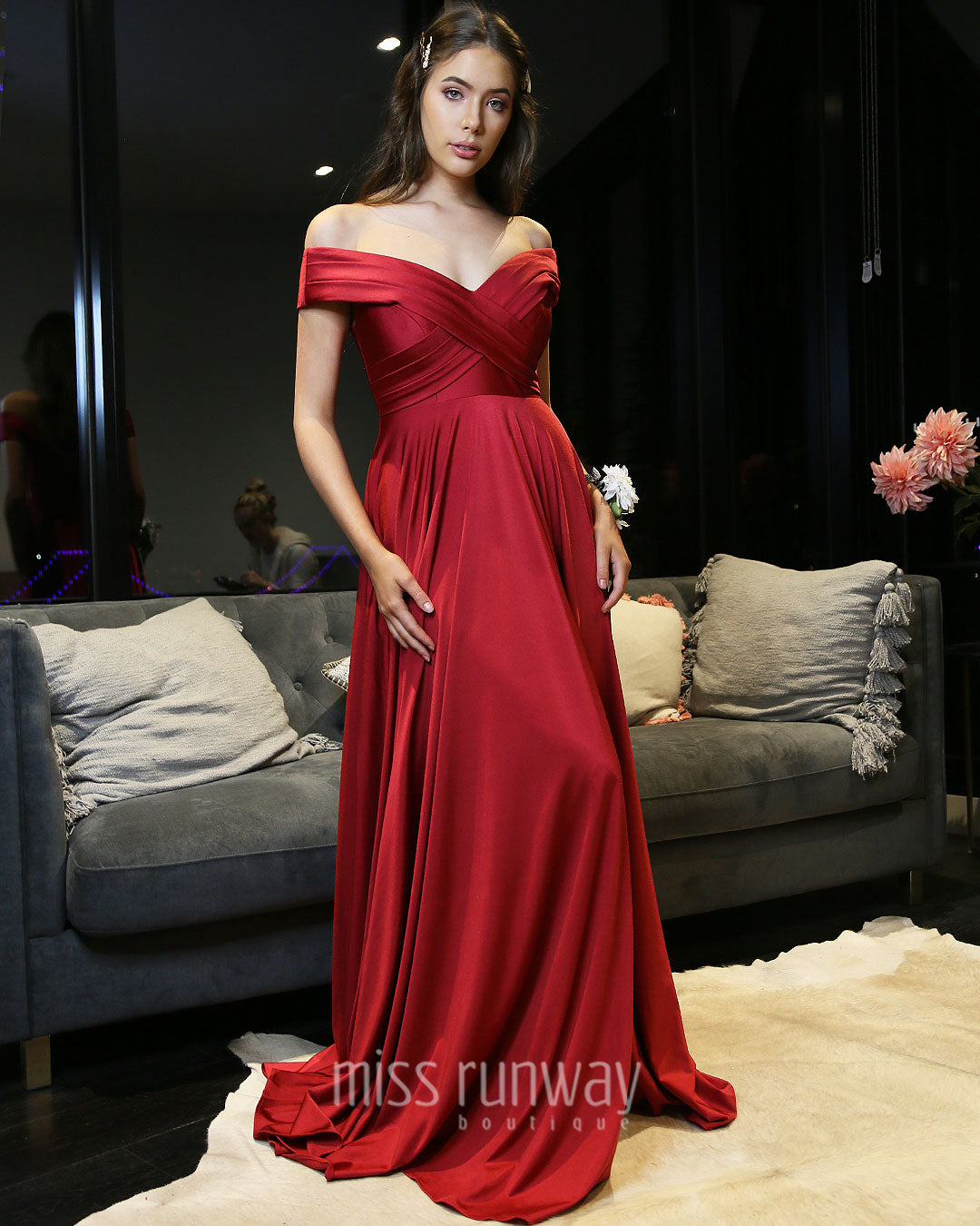Lizelli Formal Gown - Red