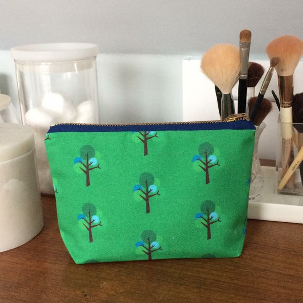Make-up bag in Oak Tree repeat pattern