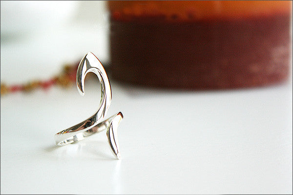 925 Sterling Silver Curvy Silver Ring / Hook Ring Style Gift Idea Rocker Gothic Woman Jewelry -  Silver ring (SR-39)