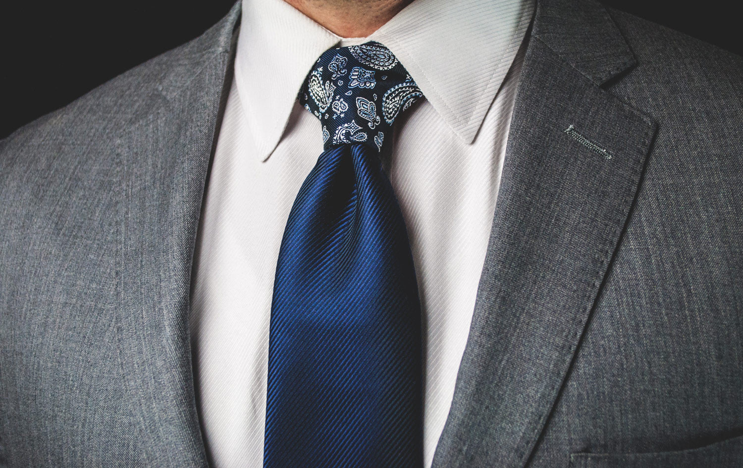 The Blue & White Paisley Proper Knot™