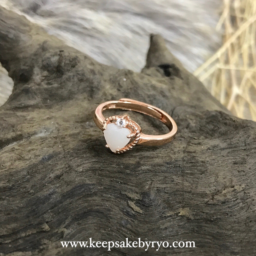 SOLITAIRE GOLD: CHIARA BREASTMILK HEART RING