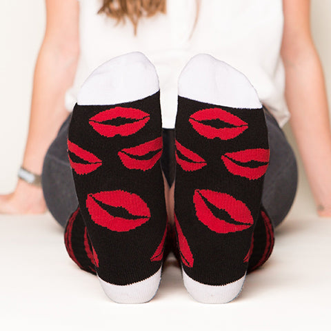 Red lips socks bottom front view
