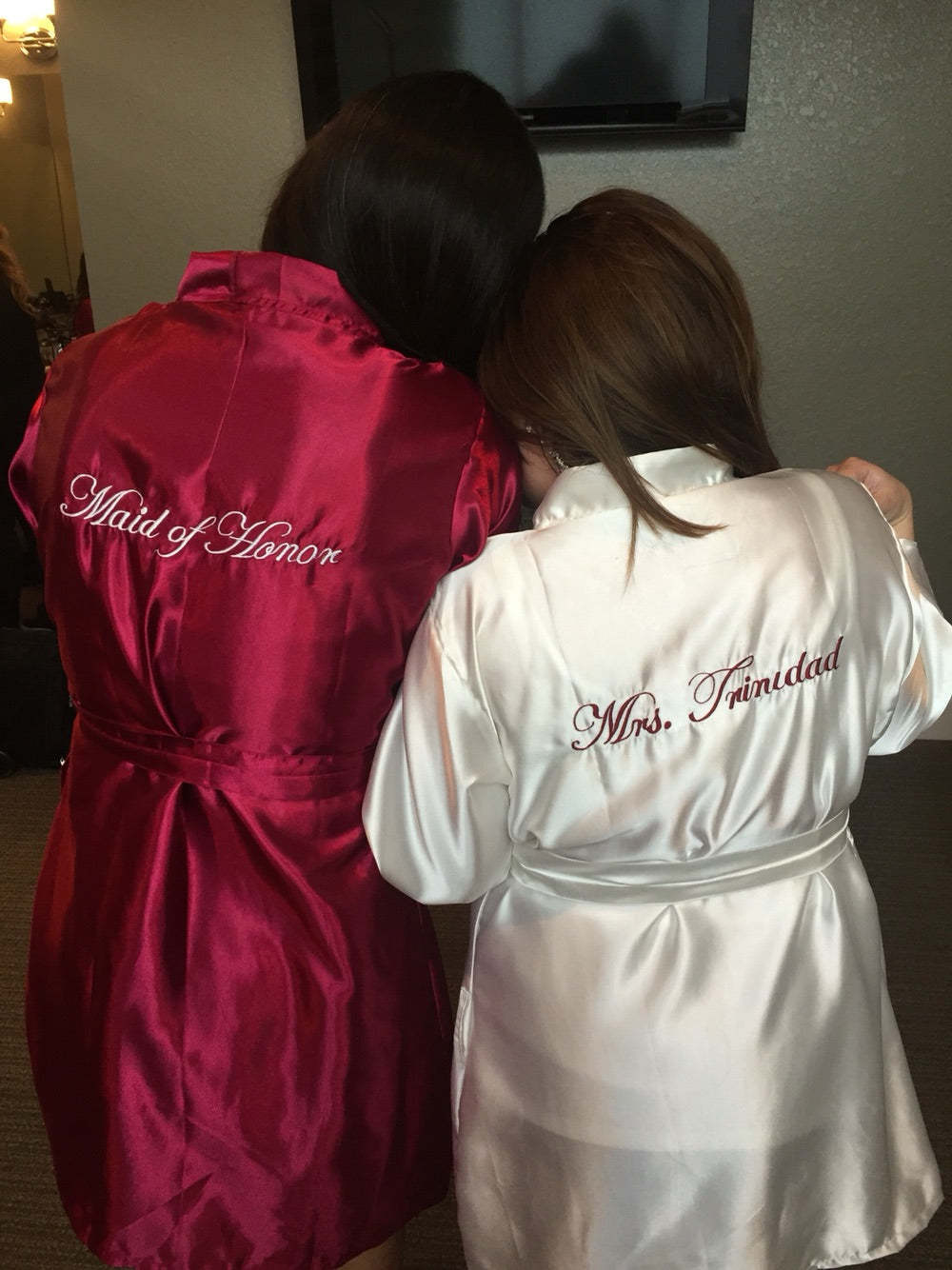 SATIN Bridal Robes Silk Bridesmaid Robe Gift Shower Monogrammed Personalized Grey ~ Pink ~ Fuchsia ~ Black ~ Coral ~ Navy ~ Purple
