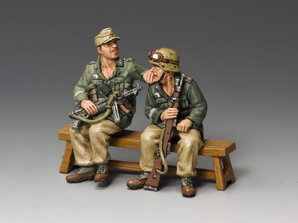 AK098 - Two seated Afrika Korps Soldiers - Piers Christian Toy Soldiers
