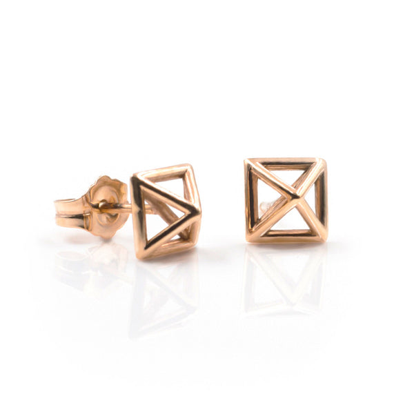 Pyramid-stud-earrings-rosegold-sexy