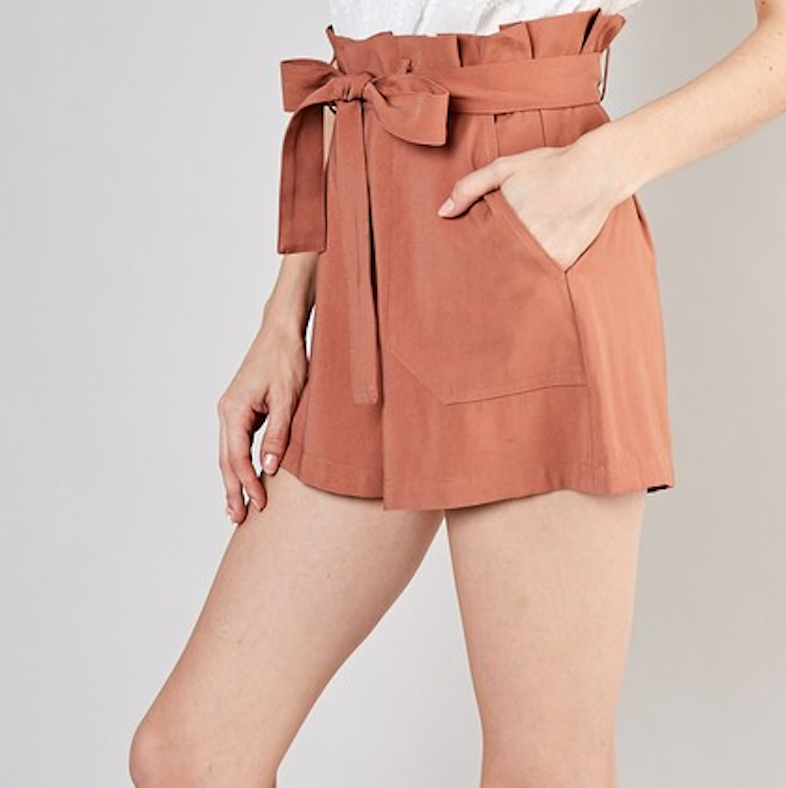 Clay Tie Shorts - Shop trendy womenswear styles on www.downerss.com