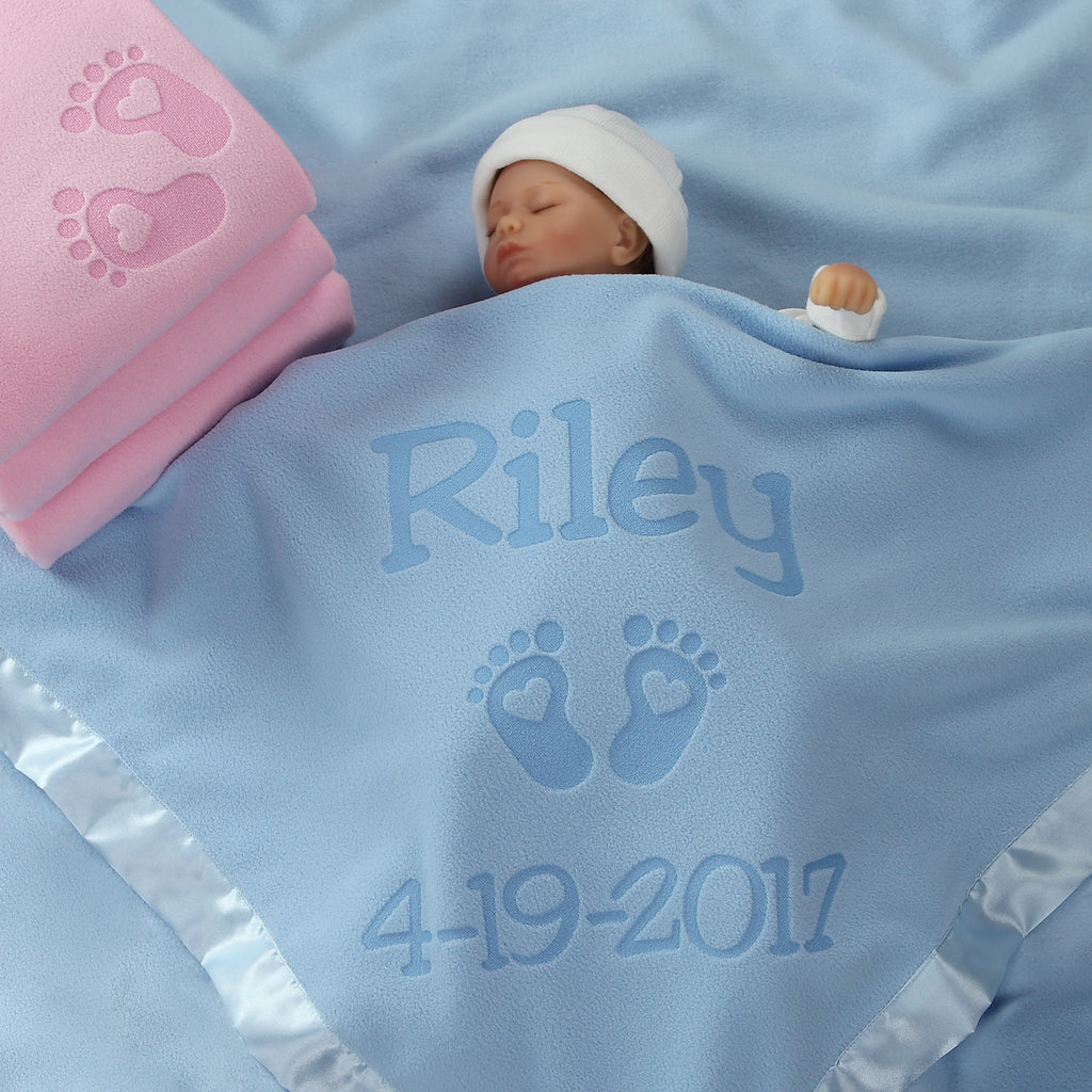 Personalized Newborn Gift Blanket with Hearts and Feet Design - 2 Text Lines (Pink or Blue)