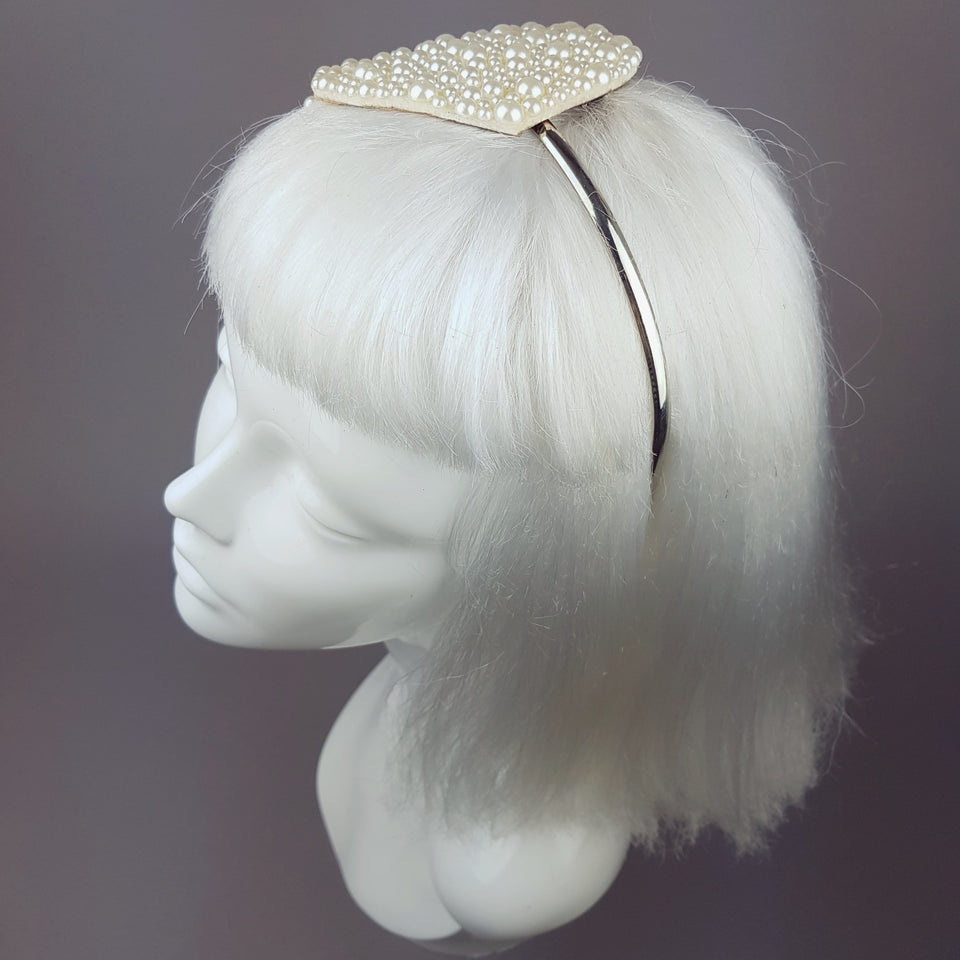 """Pearls Dream"" Vintage Inspired Fascinator"