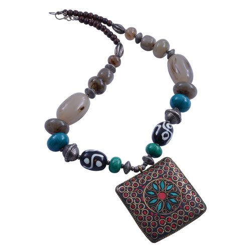 Handcrafted tibetan neckpiece from stone beads