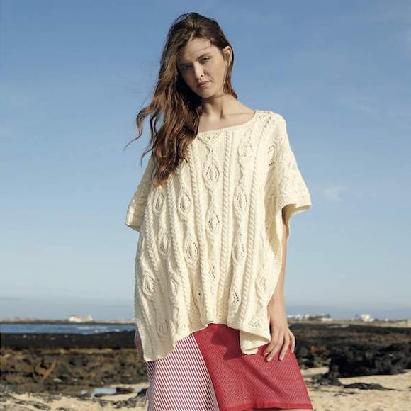 Women's Poncho in Volante, Rebecca Knit Kit, I Wool Knit