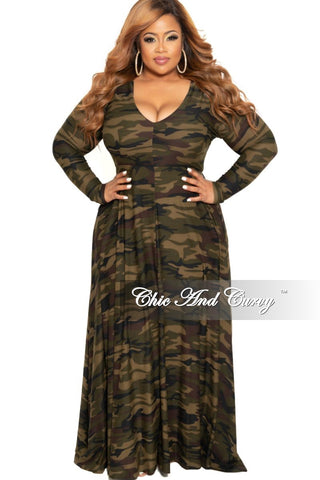 Final Sale Plus Size Long Pocket Dress with 3/4 Sleeve and Tie in White and Burgundy Striped Tie Dye Print
