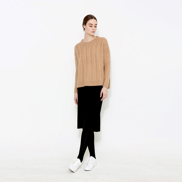 "<i id=""HT"">09</i> Hi-Low Cable Oversized Cashmere Sweater"