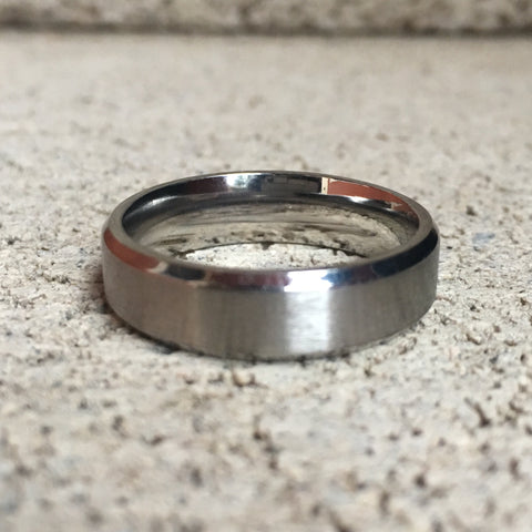Brushed Stainless Steel Ring with Diamond Cut Edges, 6mm