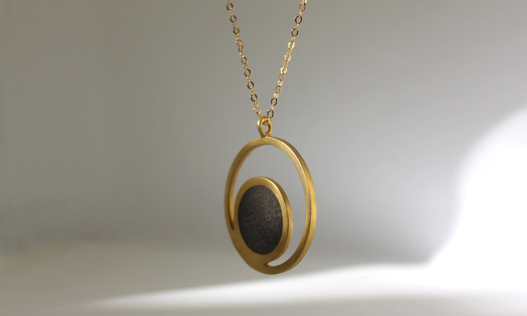 Jewelry Story - The Long Orbit Concrete Necklace