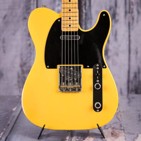 Used Fender Custom Shop Nocaster Electric Guitar, 2001, Butterscotch Blonde, front closeup