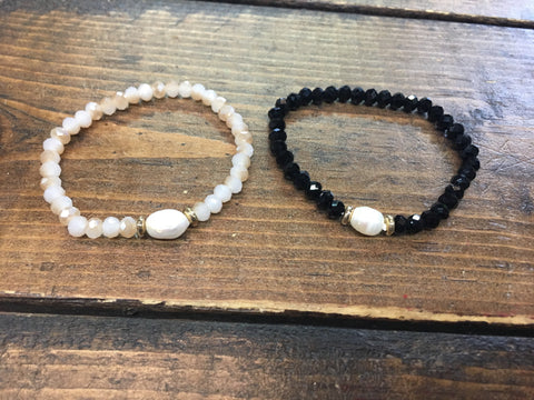 Beaded Bracelet w/ Fresh Water Pearl