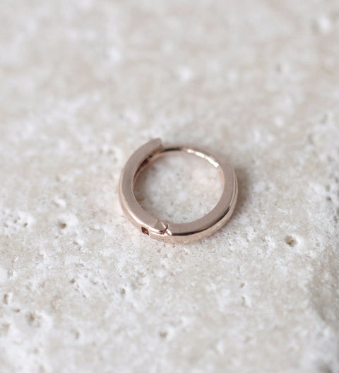 Small Hoop Earring / Rose Gold