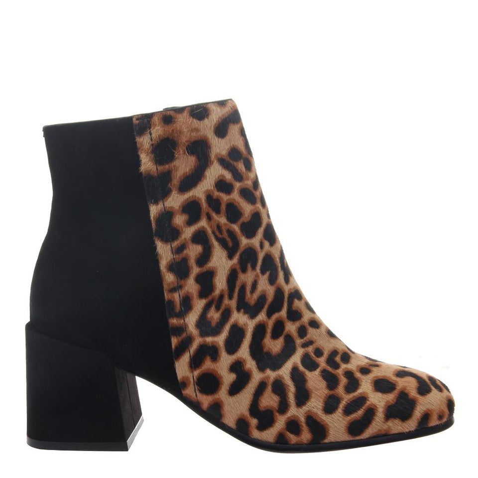 Womens ankle boot strata in Camel side view