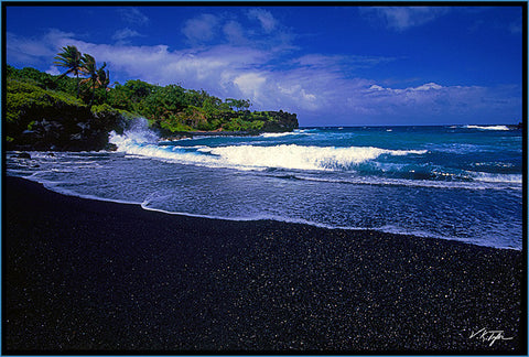 Black Sand Beach Maui - Hawaiipictures.com