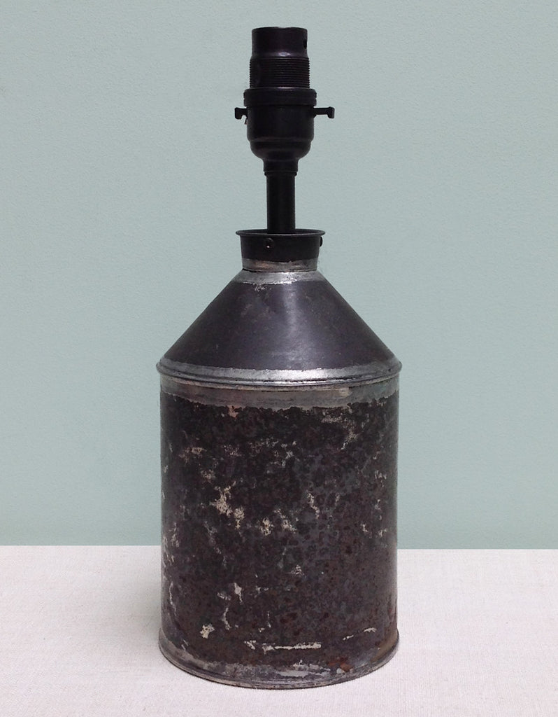 Oil can lamp
