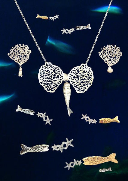 MOMOCREATURA Baby Mermaid and Coral Bow Necklace Silver Image Shot
