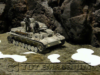 """RETIRED & BRAND NEW""  Build-a-Rama 1:32 Hand Painted WWII Deluxe Snow Patches Set (5 Piece Set)"