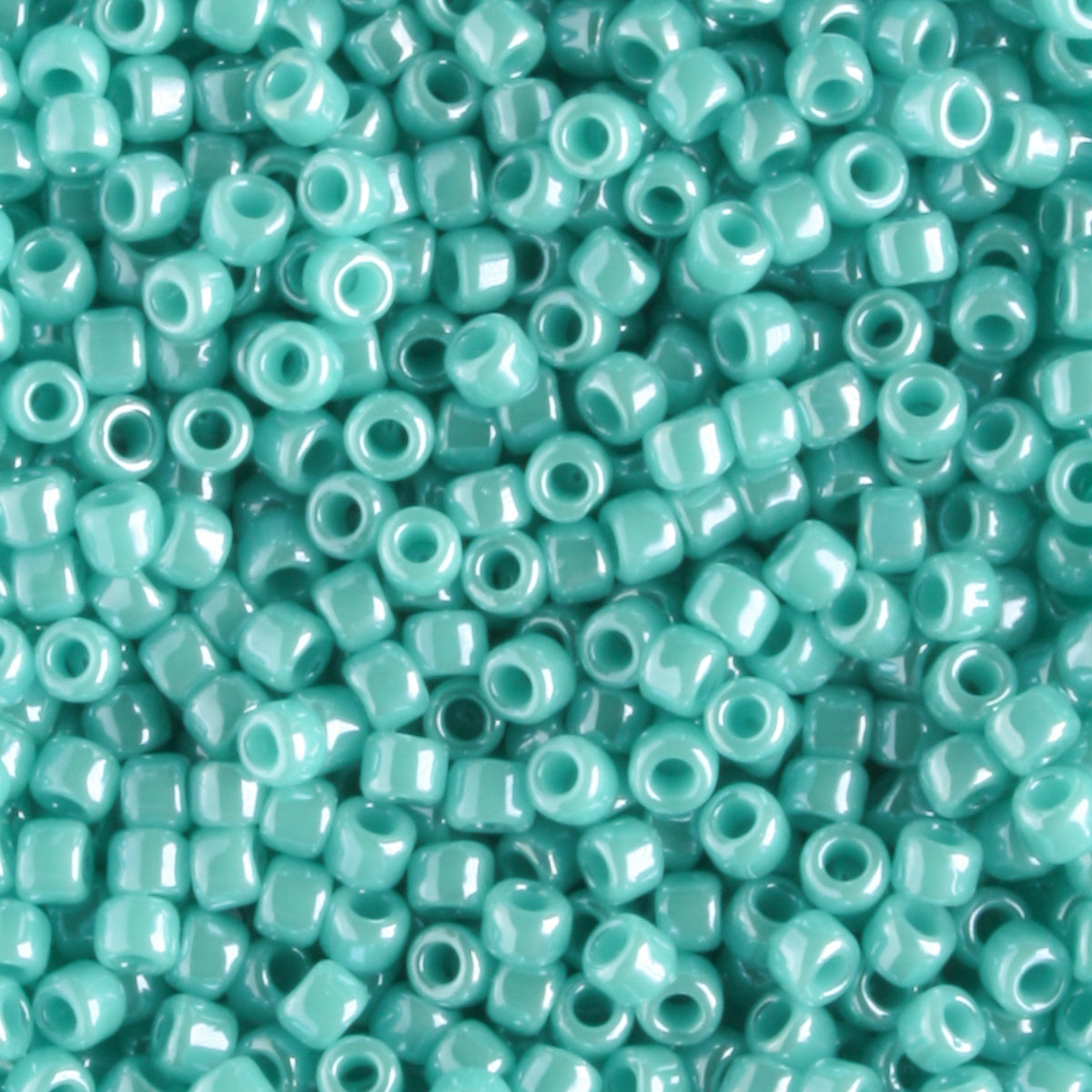 11/0 Opaque Luster Turquoise (Toho)