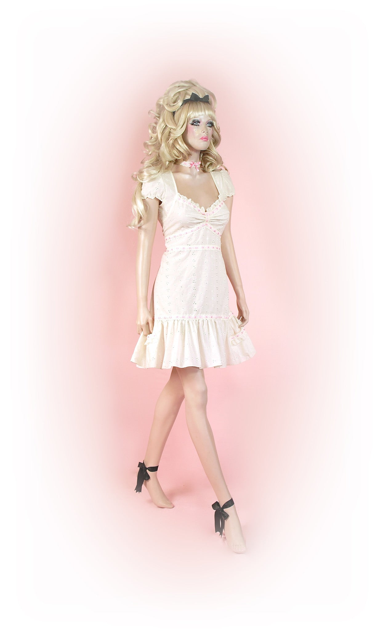 Cream<br>Romantic Anglaise