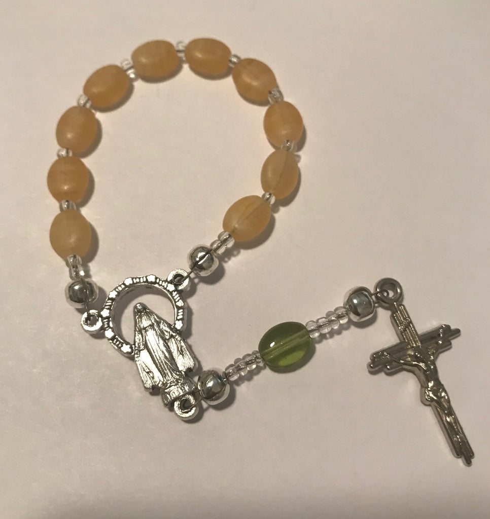 Finger Rosary: Tan and Green beads